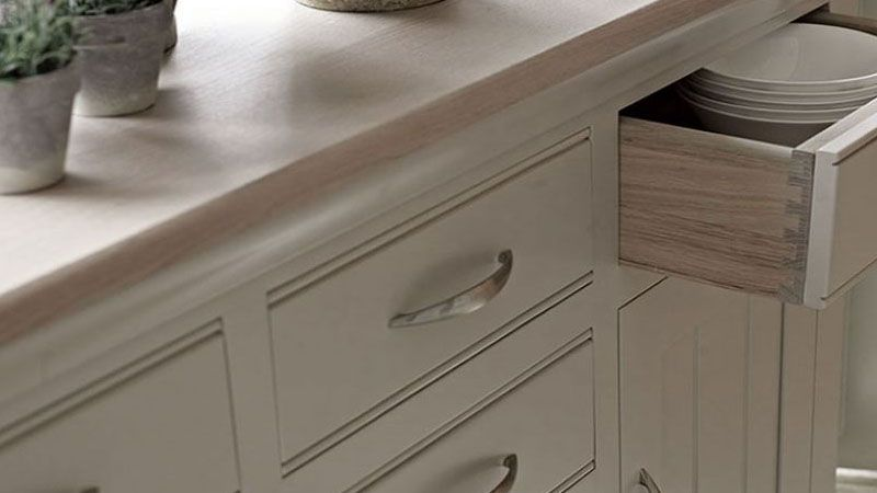 Why We Adore Solid Oak Furniture UK